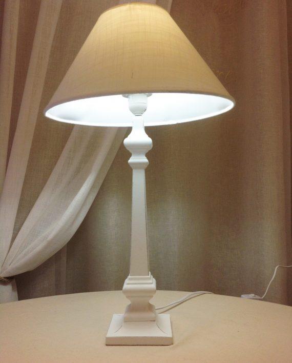 Lampada tavolo shabby chic vergnano tendaggi - Lampade da tavolo in legno ...